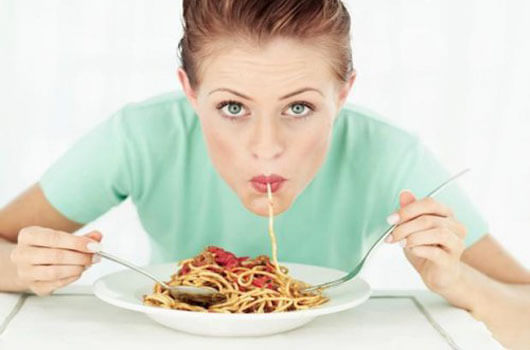 Что помогает переваривать пищу в кишечнике